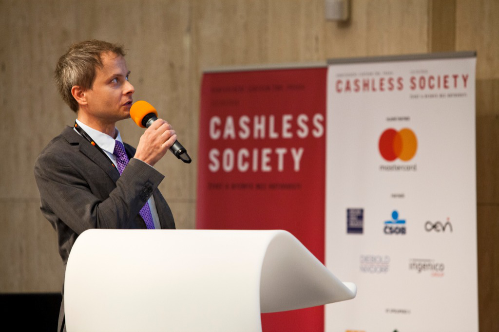 cashless society Denmark's central bank was a pioneer when it first cut its deposit rate below zero in 2012, and the trend has now spread to the eurozone and japan.